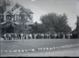 Pomona College class of 1906 in front of Sumner Hall