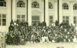 Carnegie Hall Library with large group, Pomona College