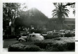 Claremont Inn and cars, Pomona College